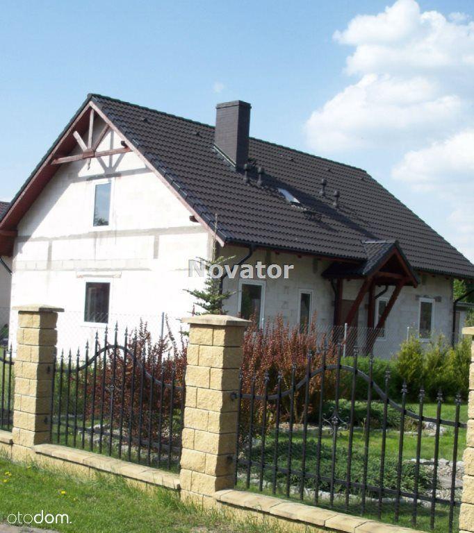 Dom, 170 m², Łabiszyn