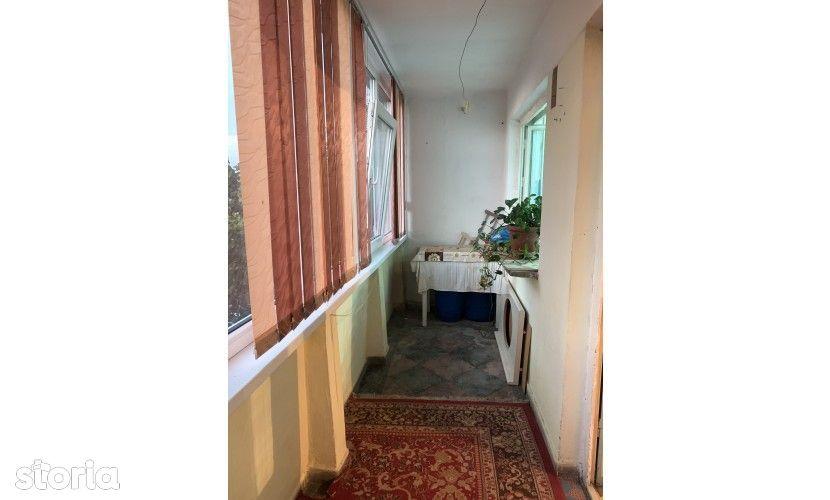 Vanzare: Apart 2 camere, conf1, et 4, Vest, 89150