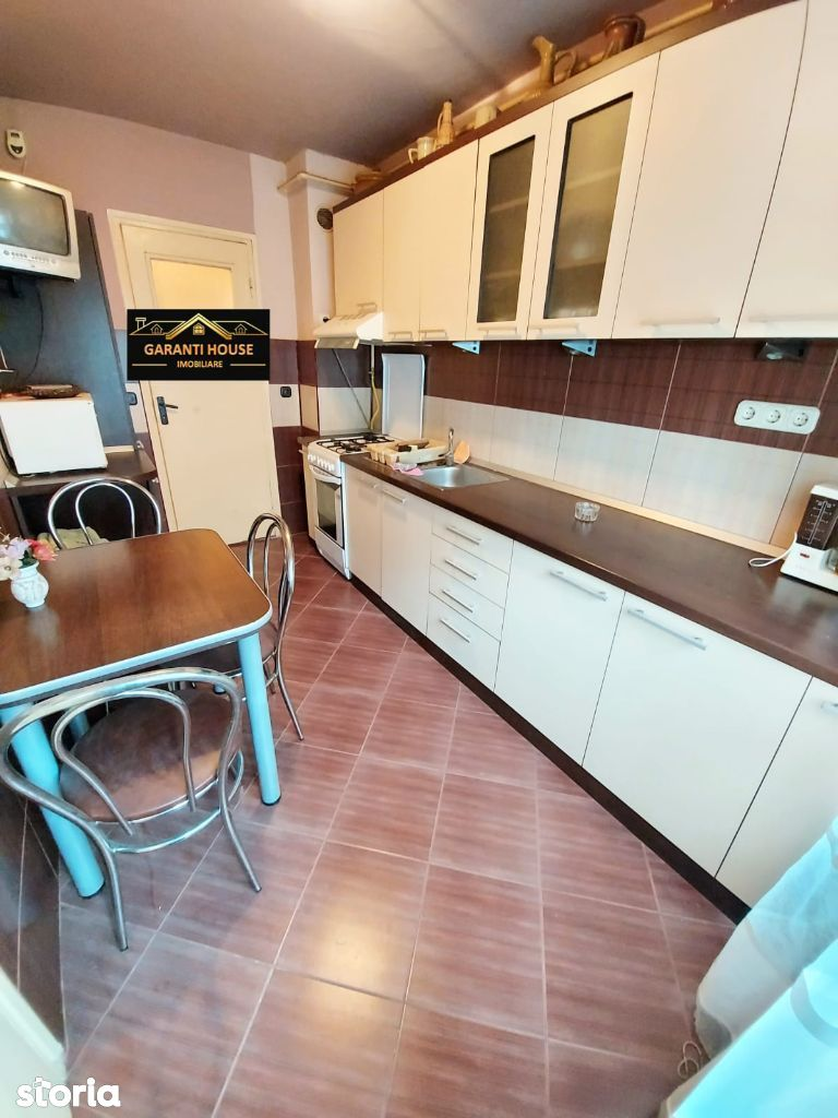 Victoriei, apartament 3 camere, decomandat, etaj 1, mobilat, 62 000€