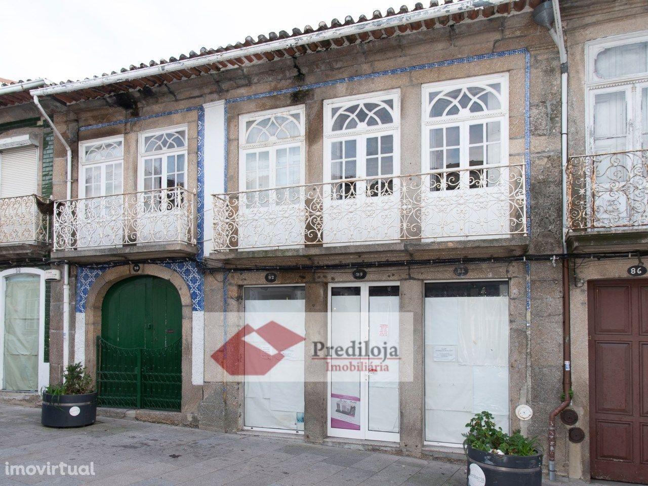 Excelente Moradia antiga c/Loja, centro Penafiel