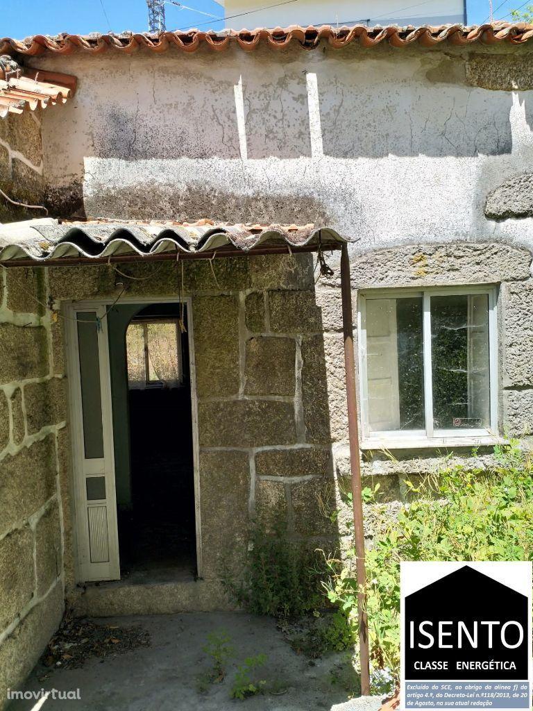 Casa em pedra para renovar junto á Serra da Estrela.