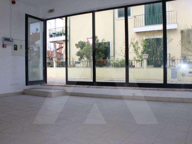 Loja para arrendar, Coimbra (Sé Nova, Santa Cruz, Almedina e São Bartolomeu), Coimbra - Foto 1