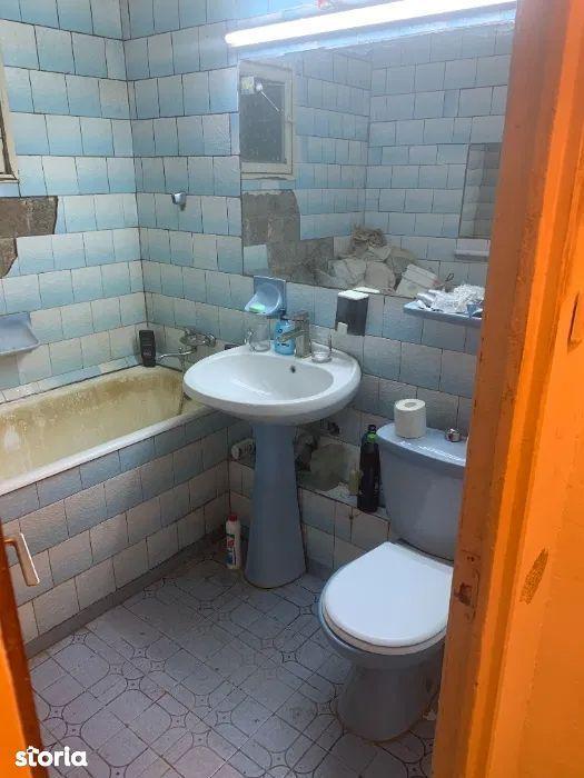 Vanzare apartament 3 camere zona Ghencea