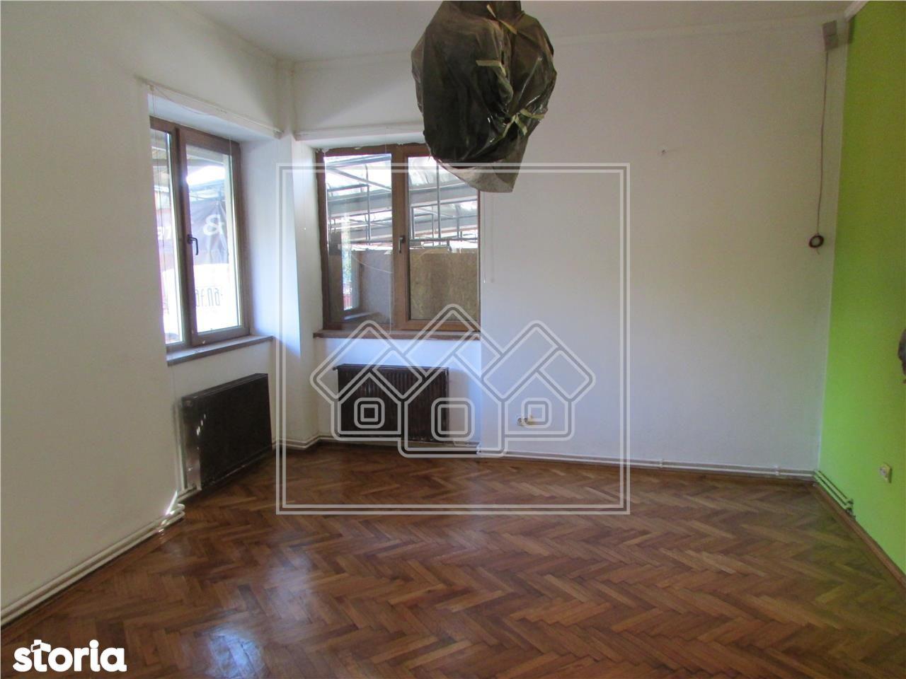 Apartament 2 camere - zona Calea Dumbravii - pretabil spatiu comercial