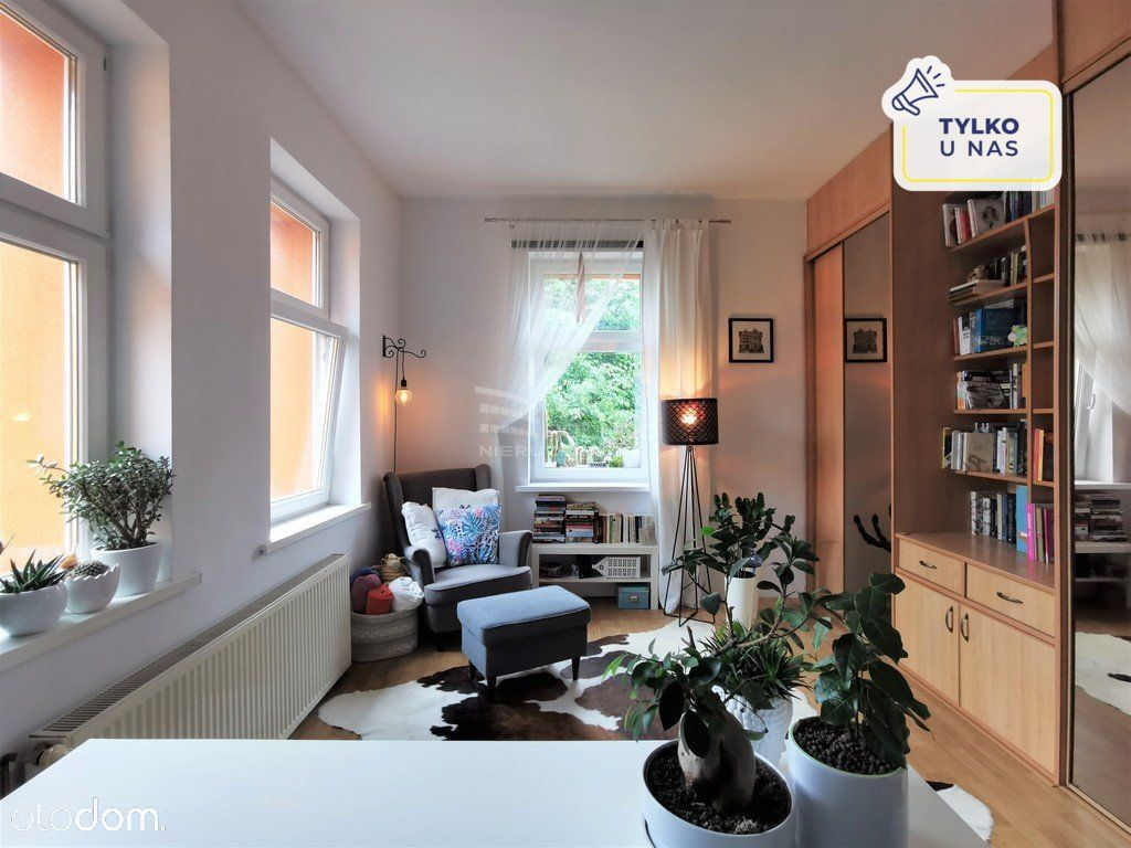 Salon z aneksem kuchennym + 2 pokoje - Tarninów