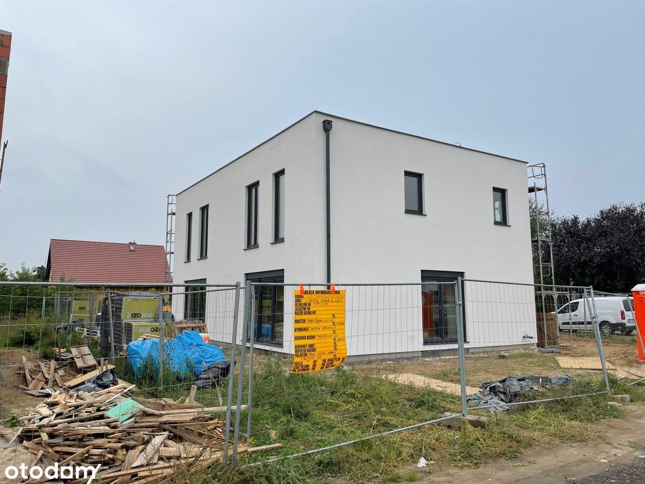 Nowy dom bliźniaczy z pompą ciepła i rekuperacją