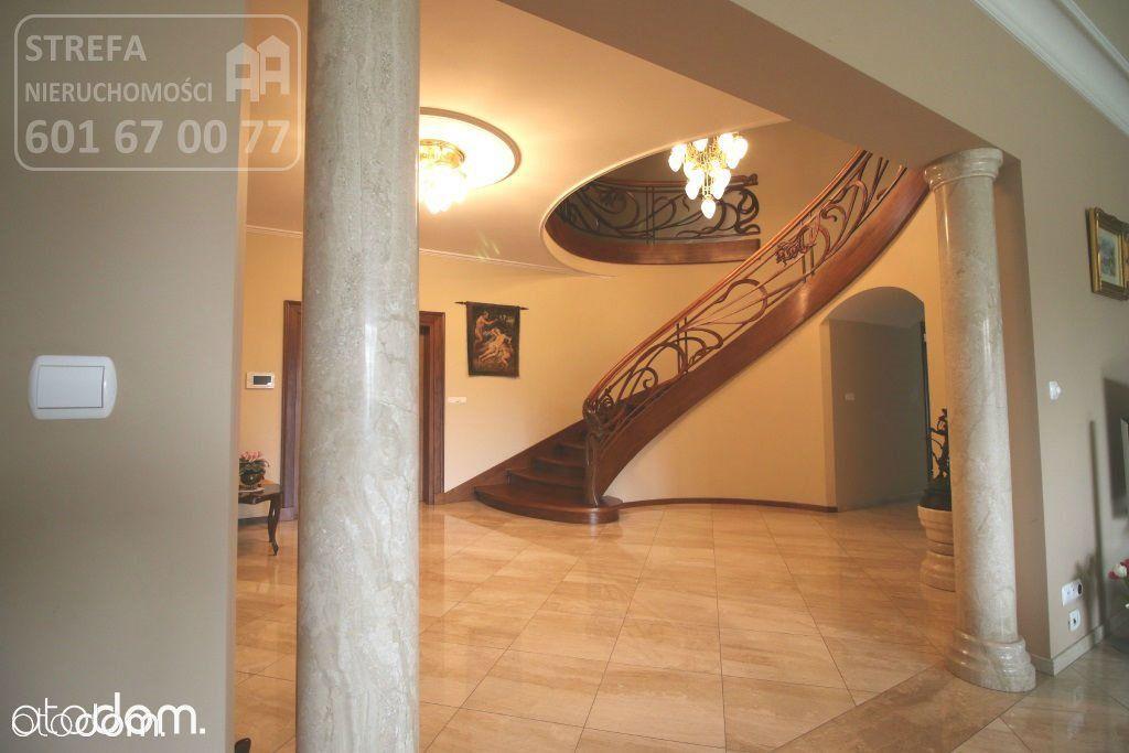 Dom, 950 m², Niwy