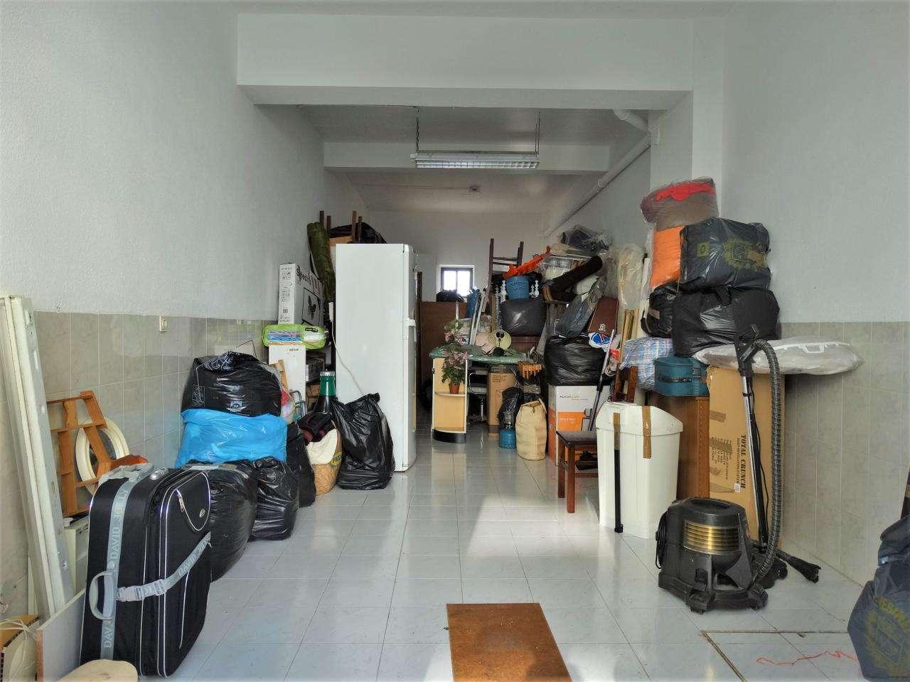Garagem para comprar, Charneca de Caparica e Sobreda, Almada, Setúbal - Foto 2