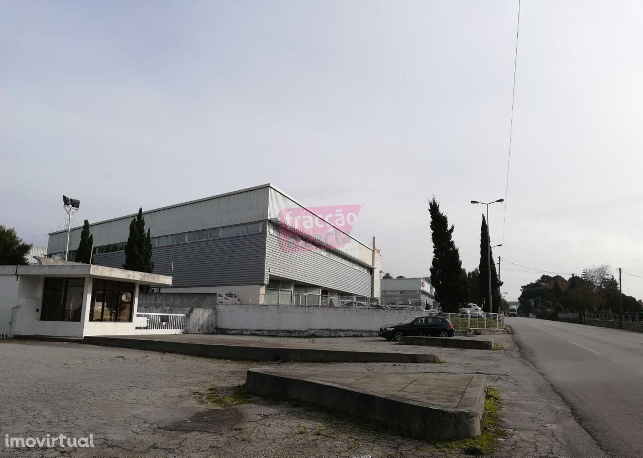 Loja Vilar do Pinheiro a 500 metros Rotunda Guardeiras