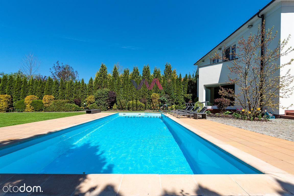 Wolnostojący dom na Zawadach z basenem