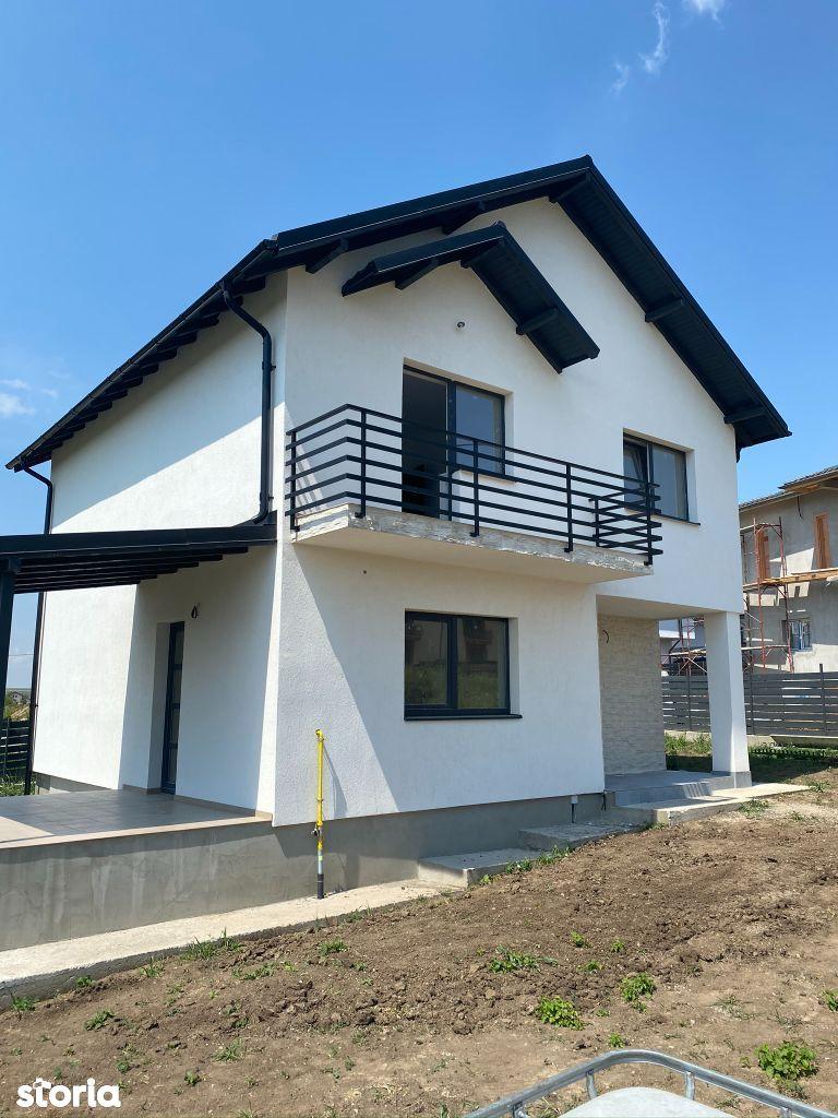 Vila 4 camere, 105 mp utili, 450 mp teren, Valea Adanca (Miroslava)