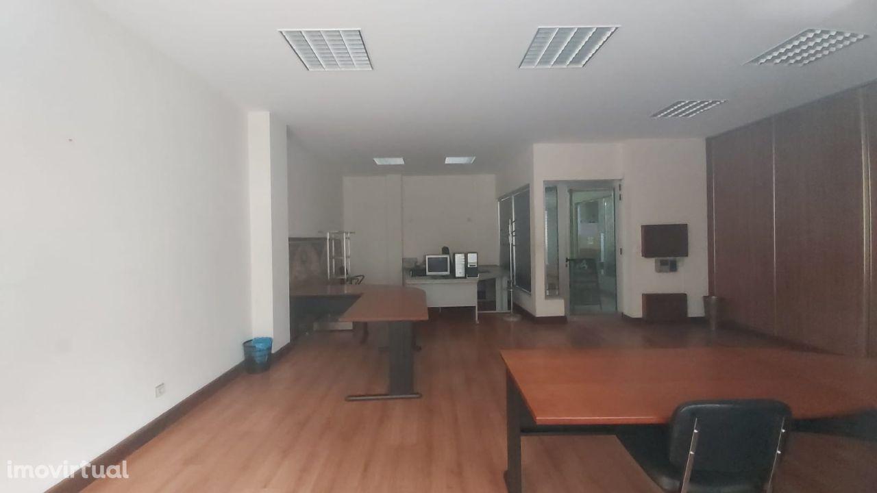 Arrenda-se Escritórios no Centro de Barcelos