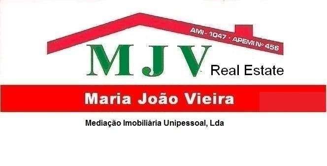 Este apartamento para comprar está a ser divulgado por uma das mais dinâmicas agência imobiliária a operar em Armação de Pêra, Faro