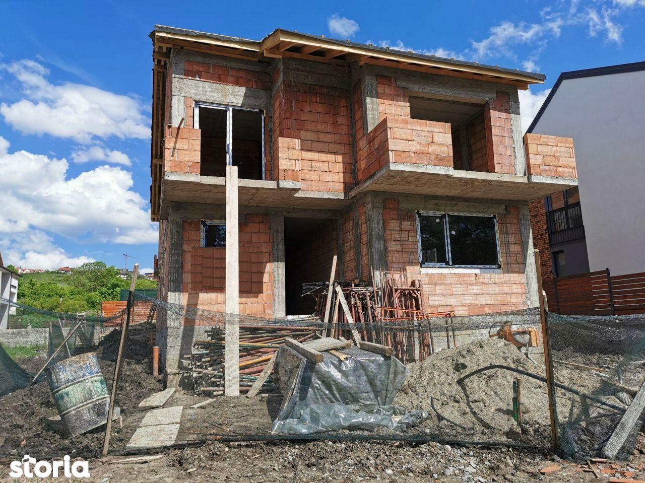 Casa cu 4 camere de vanzare, 117mp utili cu teren 251mp, Manastur