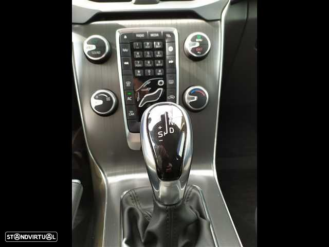 Volvo V40 2.0 D2 Kinetic Geartronic - 12