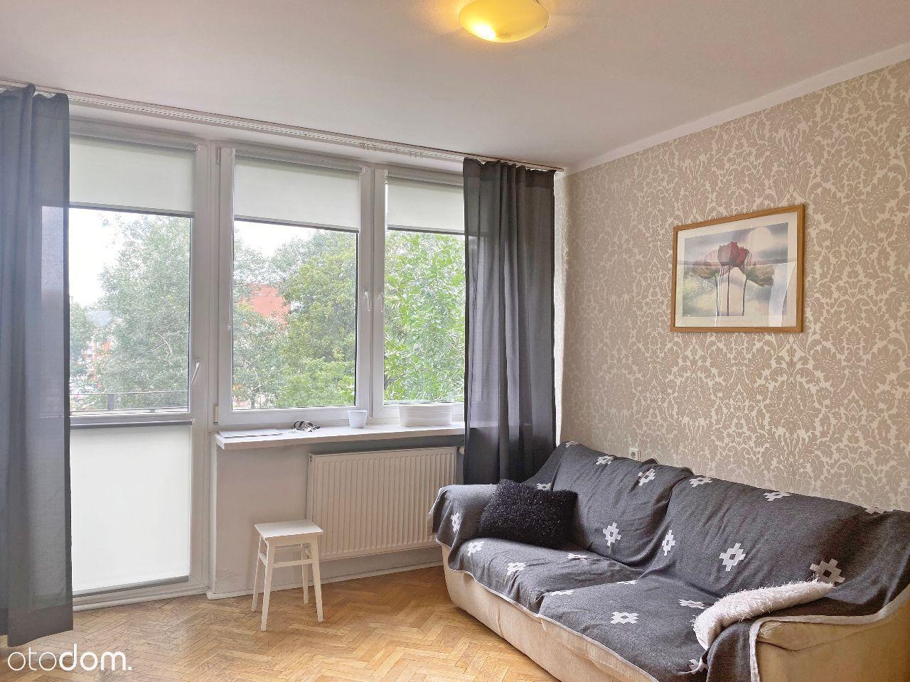 2 pokojowe mieszkanie z osobną kuchnią na Saskiej