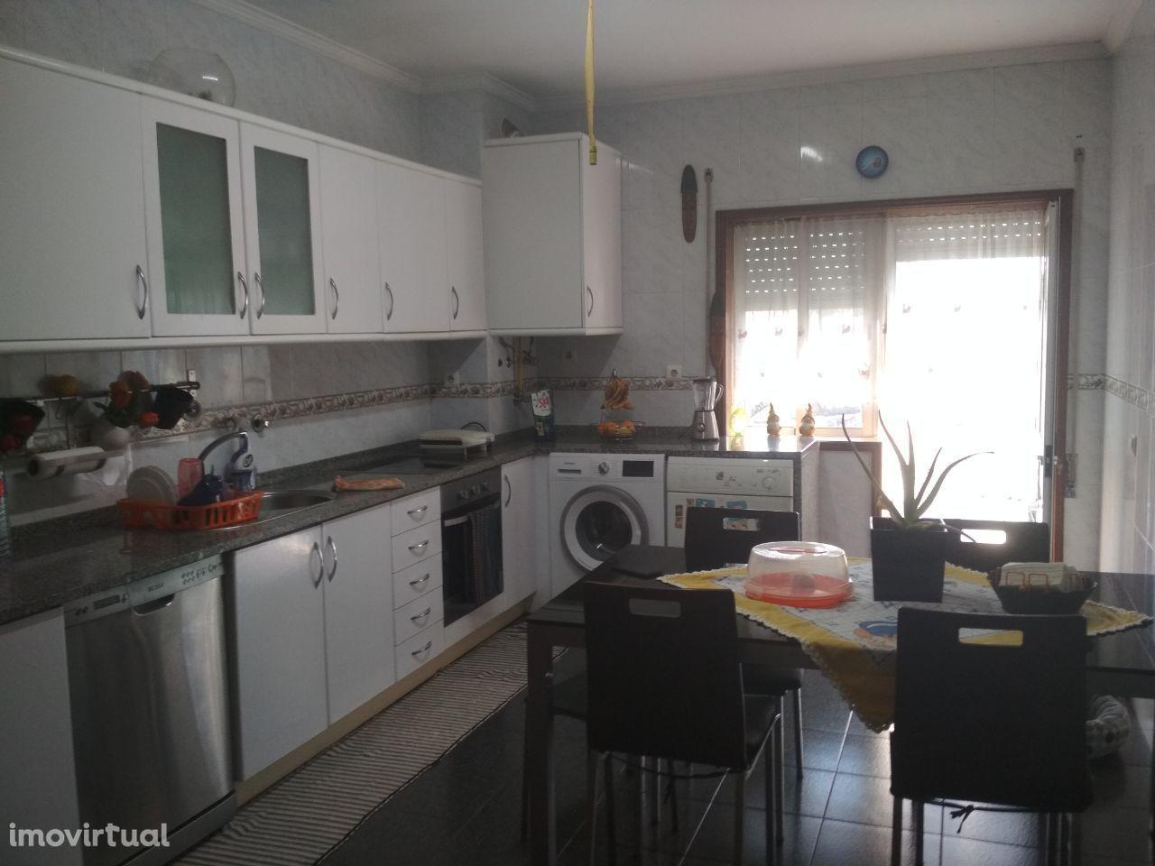 T3+1 c/ garagem p/ 2 carros - Vila do Conde