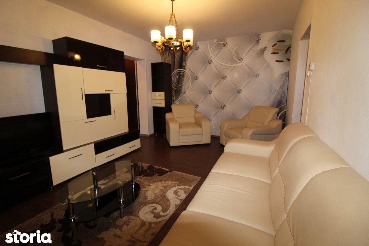 Vând apartament 2 camere în Hunedoara, str. Câmpului