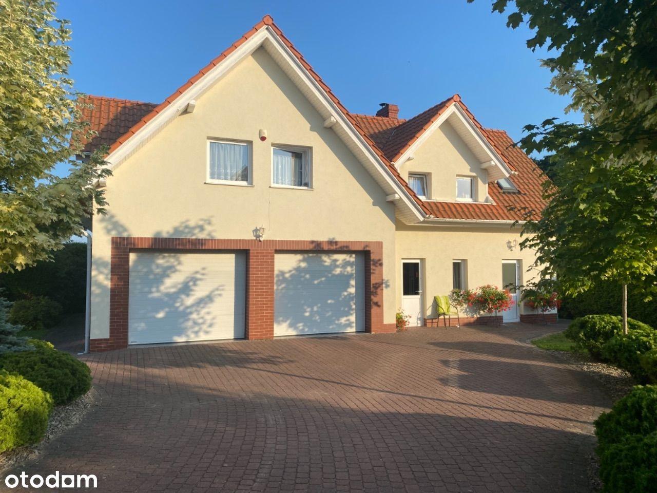 Dom nad morzem 155,37m2 -z dwoma garażami