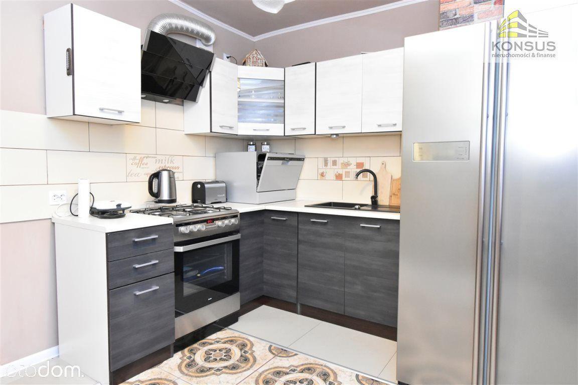 Mieszkanie, 49,80 m², Chęciny