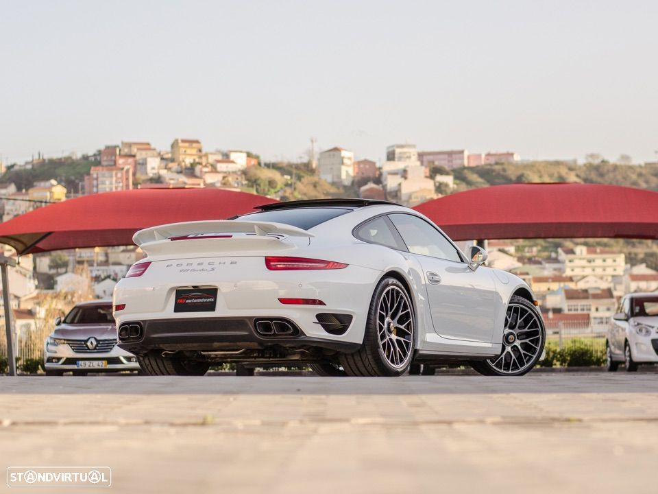 Porsche 911 Carrera Turbo S PDK - 11