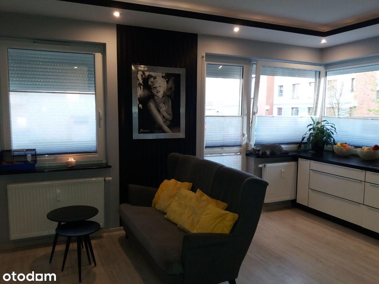 Mieszkanie 3 pokoje, taras, miejsce postojowe