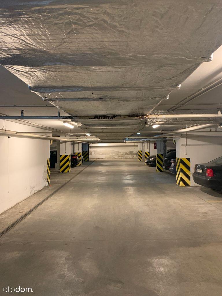 Parking podziemny Żeromskiego 77 róg Reymonta