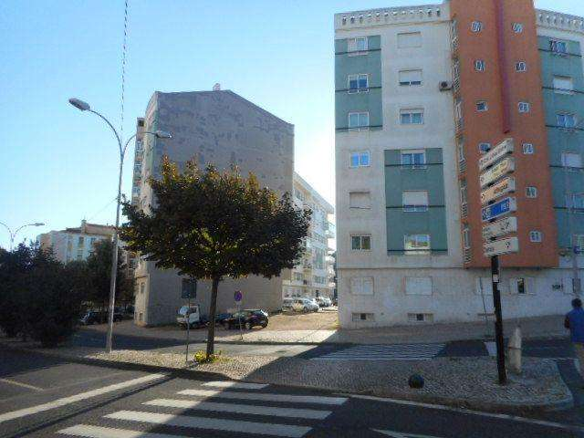 Terreno para comprar, Águas Livres, Lisboa - Foto 1