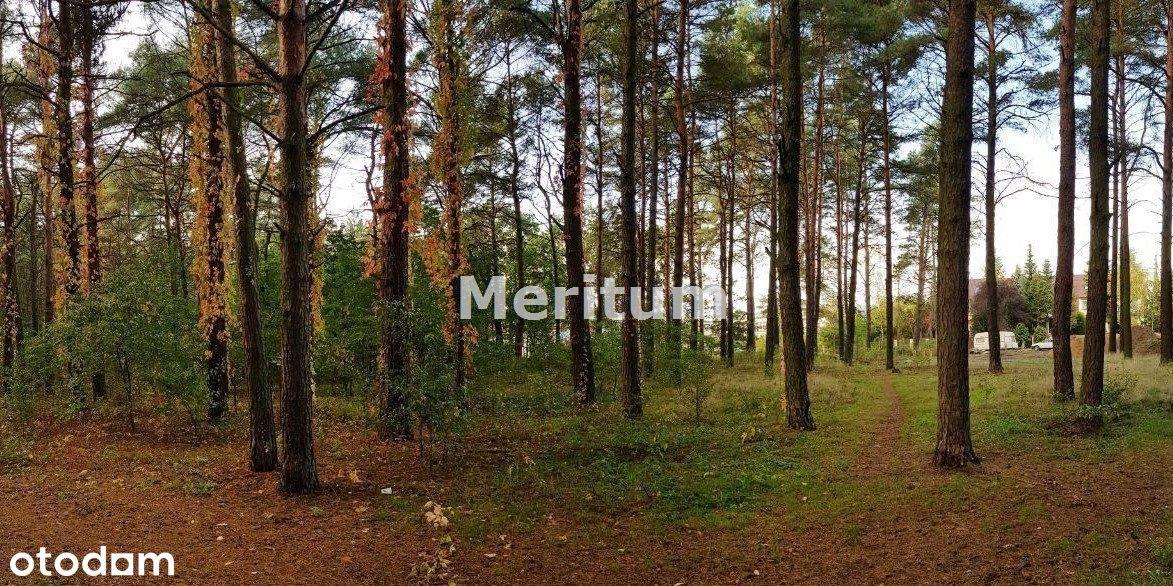 Działka budowlana,w lesie,media w odl 40m.