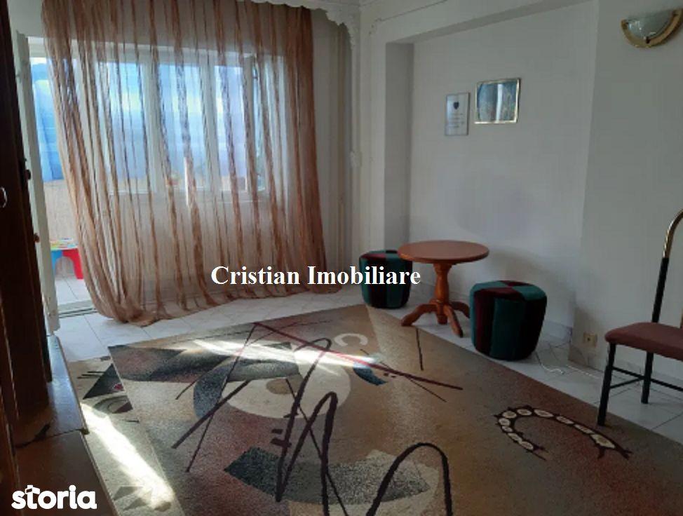 28715 apartament cu 3 camere, Zona Soleta