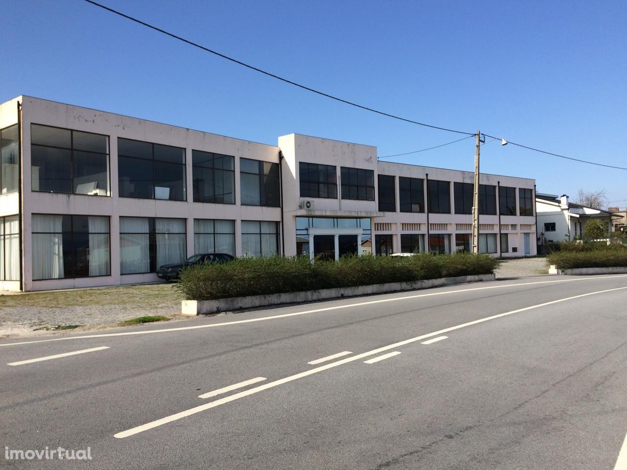Edifício para atividade comercial / industrial, EN15