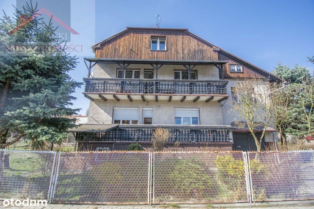 Przestronny dom z budynkiem warsztatowym