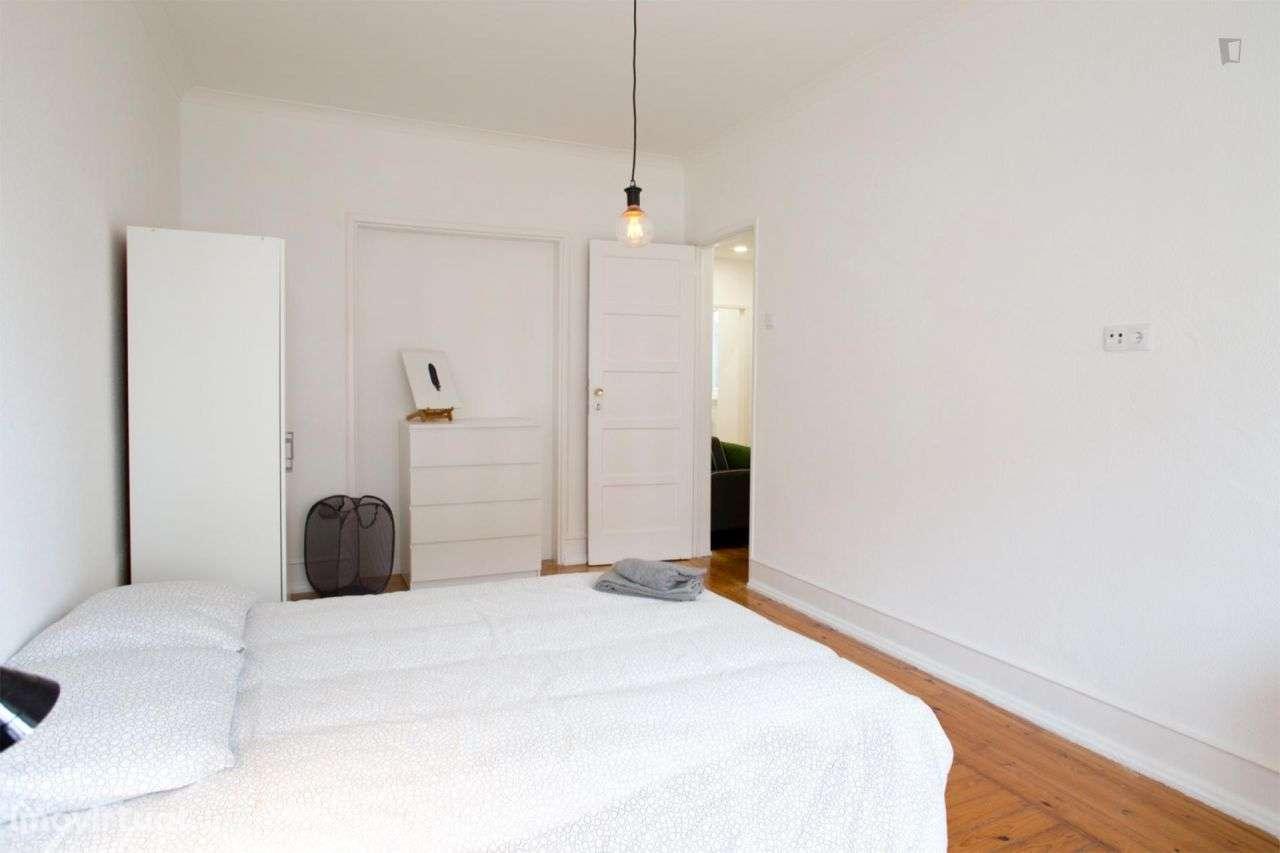 Quarto para arrendar, Areeiro, Lisboa - Foto 1