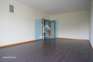 Apartamento T2 com Garagem Box