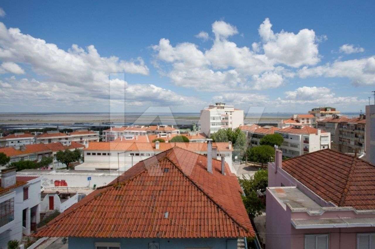 Prédio para comprar, Santa Iria de Azoia, São João da Talha e Bobadela, Lisboa - Foto 14