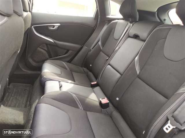 Volvo V40 2.0 D2 Kinetic Geartronic - 11