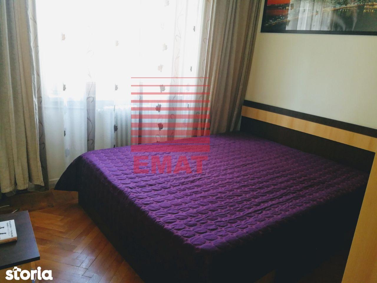 Vanzare apartament 2 camere,semidecomandat, zona Ultracentrala 82