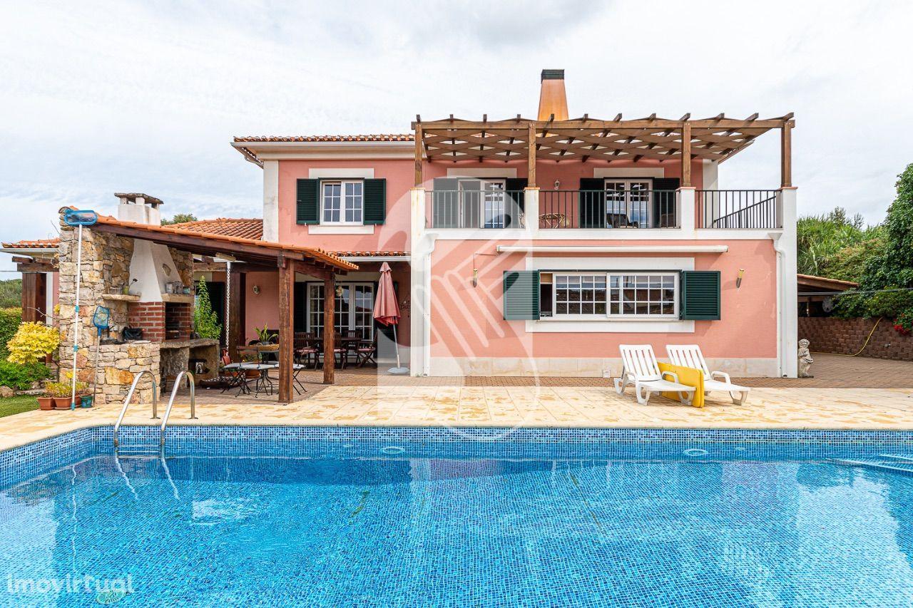 T6+T2 Varzea de Sintra com 3018m2 de terreno com piscina