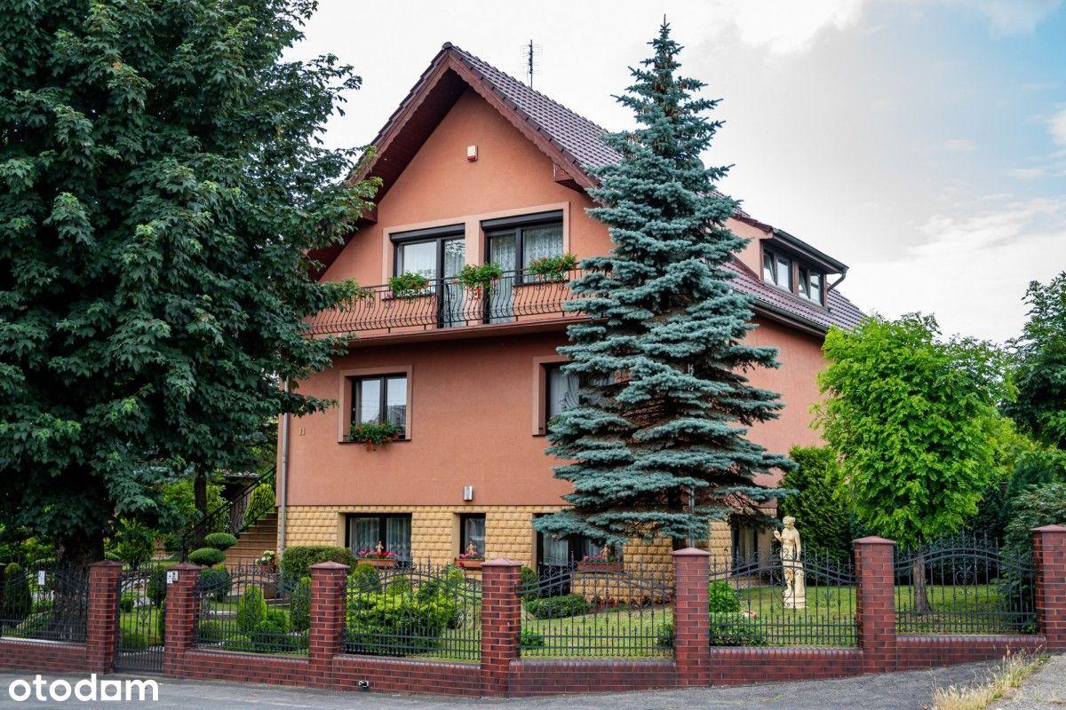 Piękny dom z ogrodem i z basenem w Pieńsku