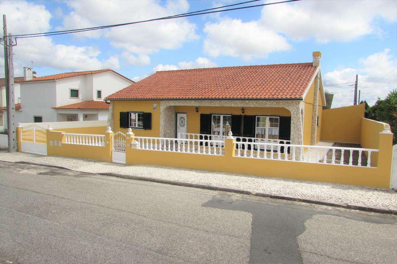 Moradia para comprar, Caldas da Rainha - Santo Onofre e Serra do Bouro, Leiria - Foto 1