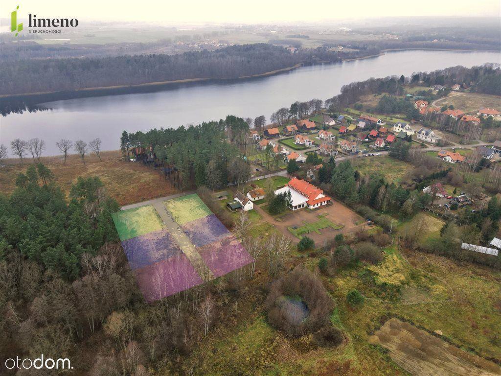 Wolnostojący, Tomaszkowo, nad jeziorem