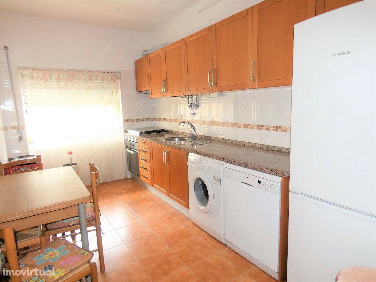 LARANJEIRO - T2, LINHA METRO, cozinha remodelada e equipada!
