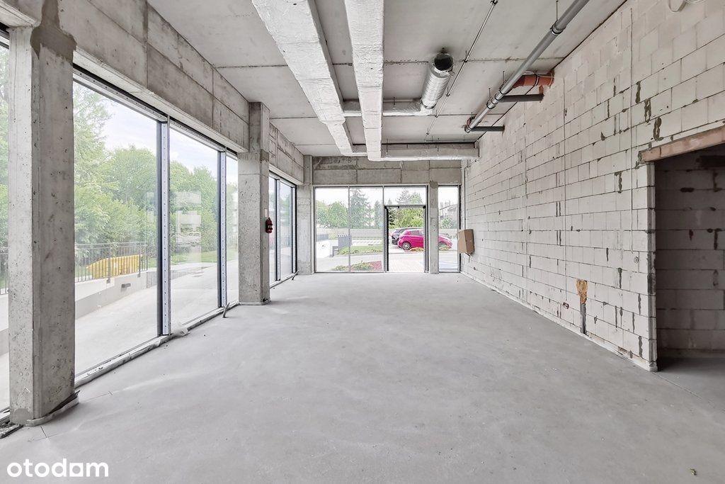 Nowy lokal handl.-usług., parking w garażu w cenie