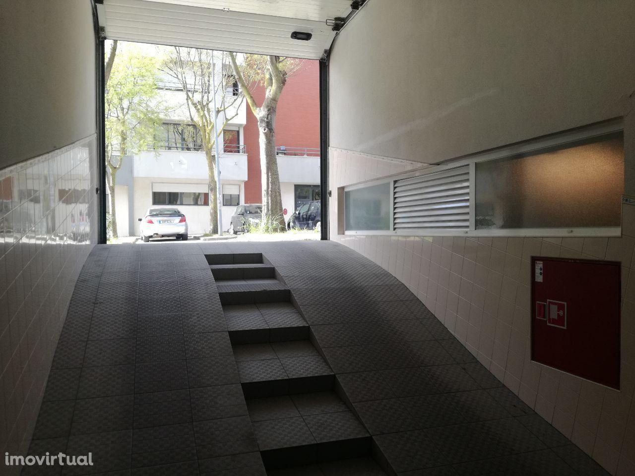 Garagem Box na Quinta do Bom Retiro
