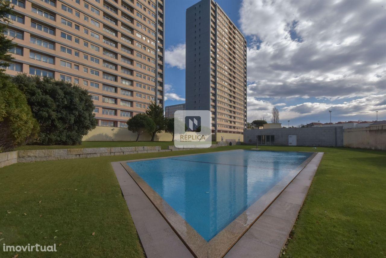 Apartamento T4 no Condomínio Fechado Entre Quintas