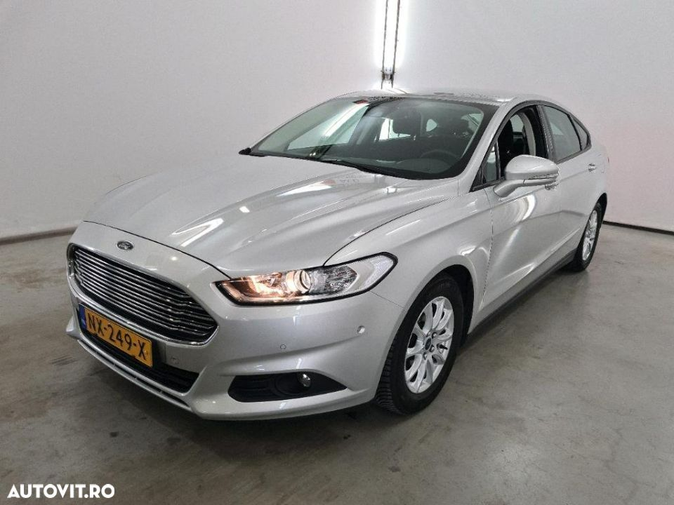 Ford Mondeo 1.5 - 13