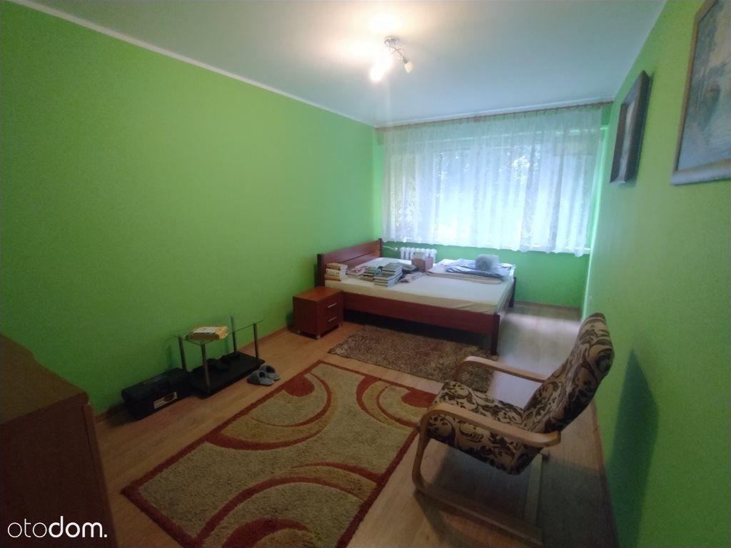 2 pokoje na V os. na 1 piętrze