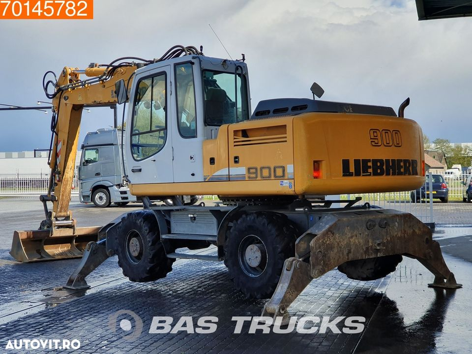 Liebherr A900C 4x OUTRIGGERS - 2