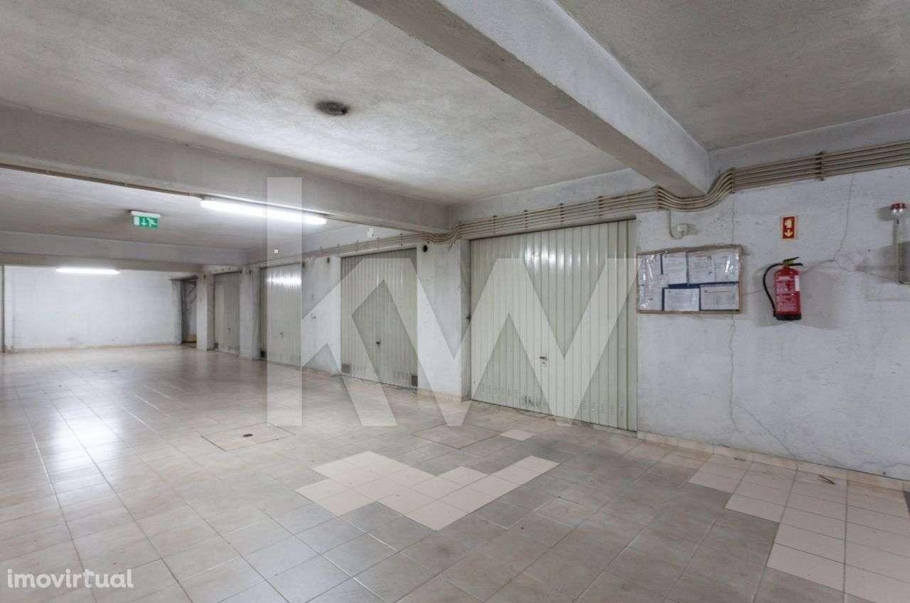 Garagem para comprar, Cacém e São Marcos, Lisboa - Foto 1