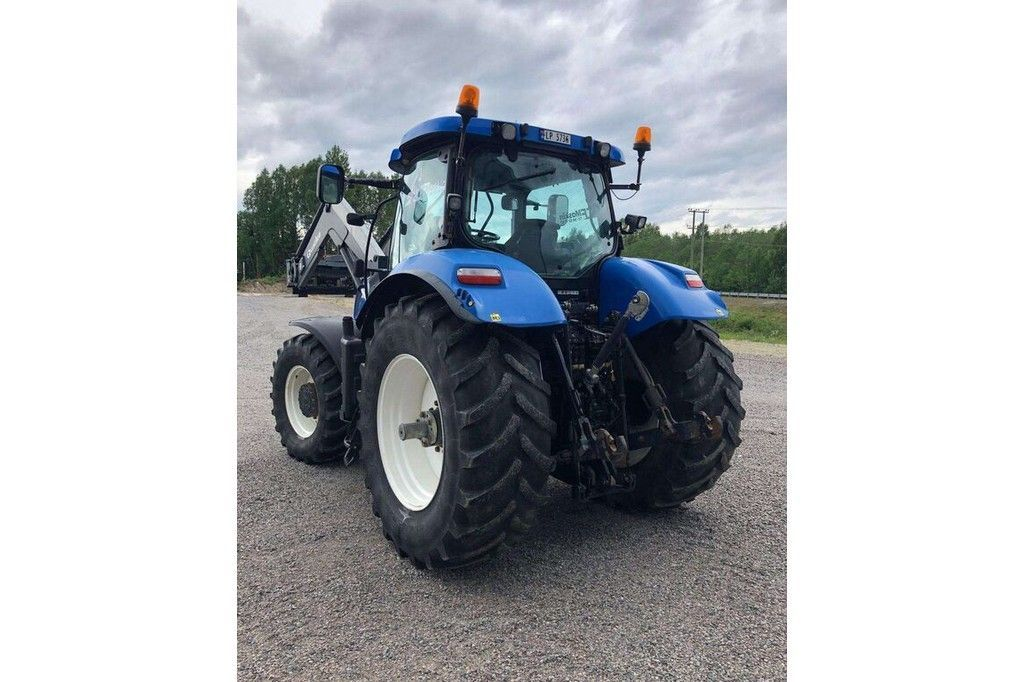 New Holland T7040  New Holland T7040 - 9